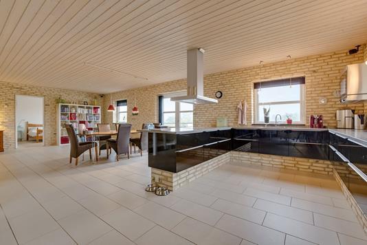Villa på Søparken i Ryomgård - Køkken