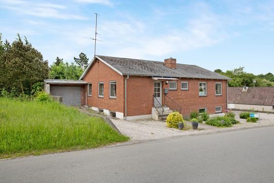 Villa på Tøstrupvej i Nimtofte - Ejendommen