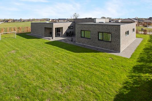 Villa på Enggårdsbakken i Kolind - Ejendommen
