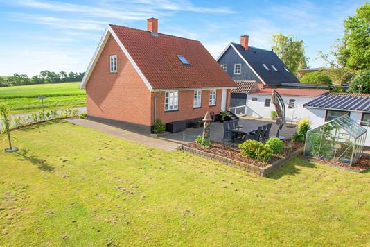 Villa på Nødagervej i Kolind - Set fra haven