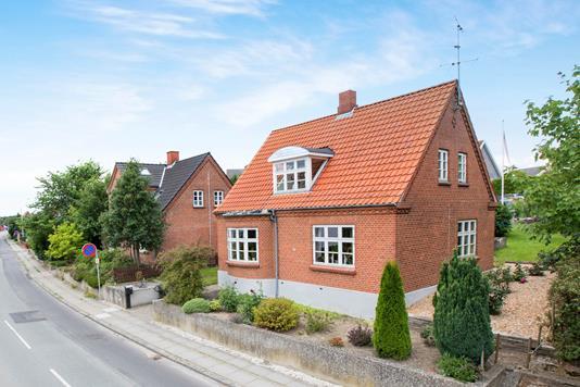 Villa på Storegade i Ryomgård - Ejendommen