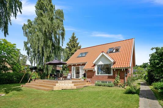 Villa på Engdalsvej i Brabrand - Set fra haven