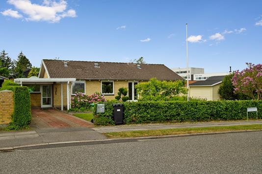 Villa på Haslegårdsvej i Aarhus V - Ejendommen