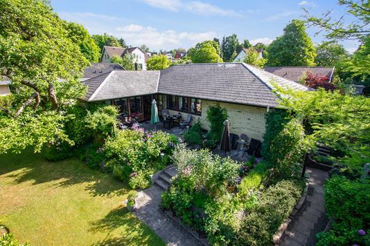 Villa på Hejredalsvej i Brabrand - Set fra haven