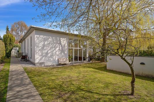 Villa på Henrik Hertz Vej i Åbyhøj - Set fra haven