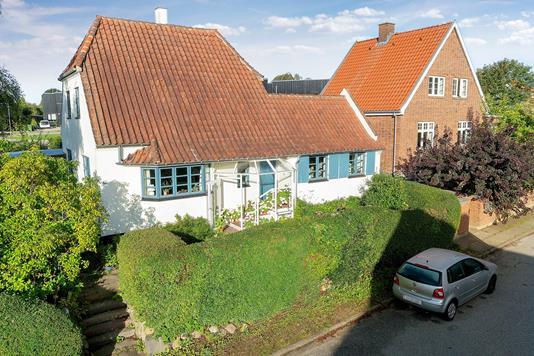 Villa på Bakke Allé i Åbyhøj - Ejendommen