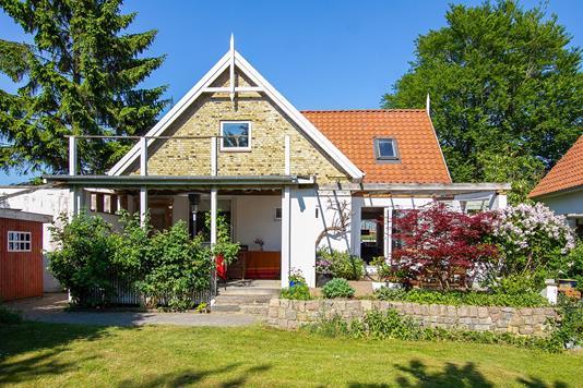 Villa på J.L. Heibergs Vej i Åbyhøj - Set fra haven