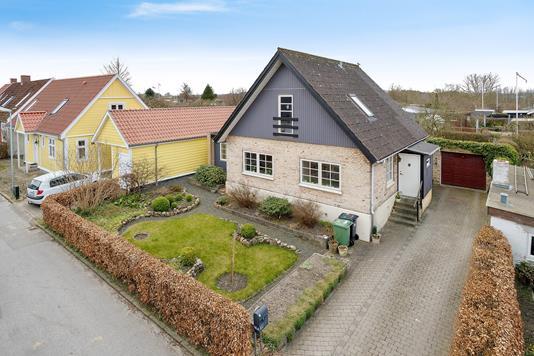 Villa på Kærvej i Åbyhøj - Ejendommen