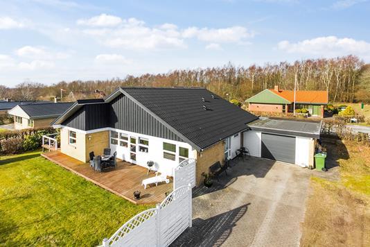Villa på Lykkensdalsvej i Brabrand - Set fra vejen