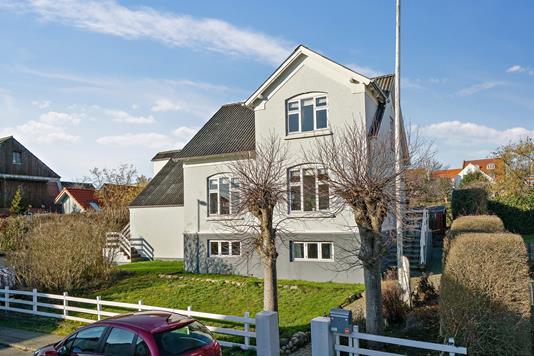 Villa på Bjarkesvej i Åbyhøj - Ejendommen