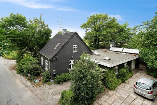 Villa på Selkærvej i Brabrand - Set fra vejen