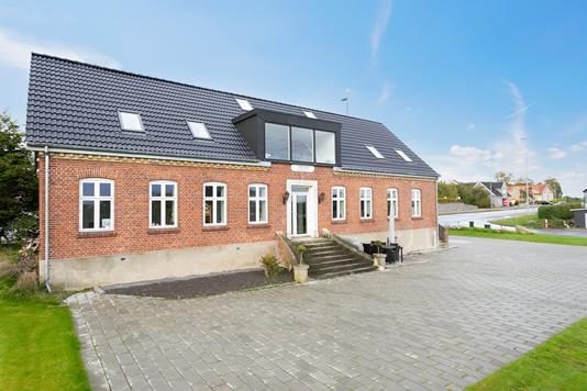 Villa på Skibbyvej i Brabrand - Ejendommen