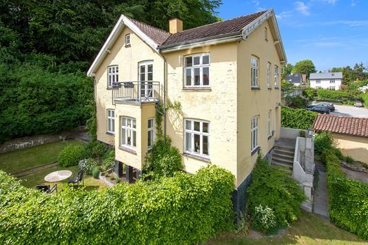 Villa på Skovbakkevej i Brabrand - Set fra haven