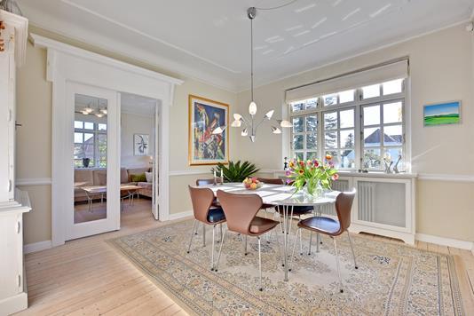 Villa på Yrsavej i Åbyhøj - Spisestue