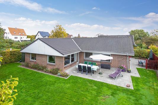 Villa på Dr. Holsts Vej i Åbyhøj - Set fra haven