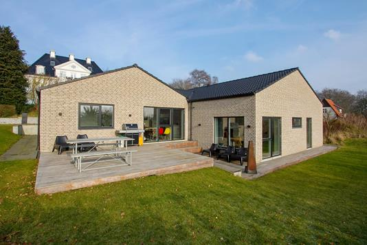 Villa på Åby Bækgårdsvej i Åbyhøj - Ejendommen