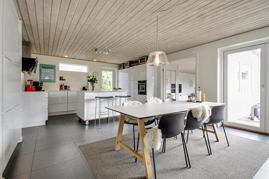Villa på Lykkenshøj i Brabrand - Spisestue