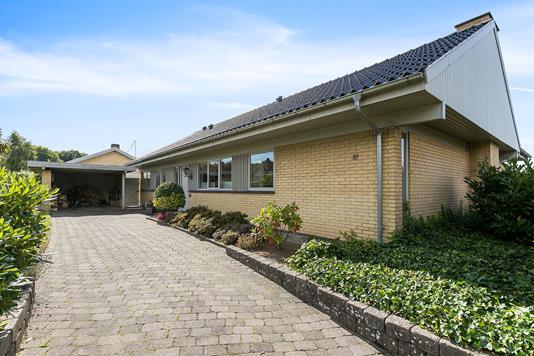Villa på Egebjergvej i Brabrand - Indkørsel