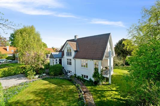 Villa på Allégårdsvej i Åbyhøj - Set fra haven