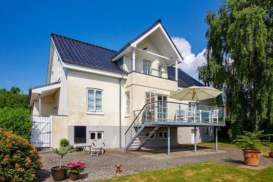 Villa på Engdalsvej i Brabrand - Ejendommen