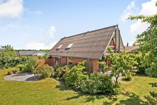 Villa på Norgesvej i Hadsten - Ejendommen