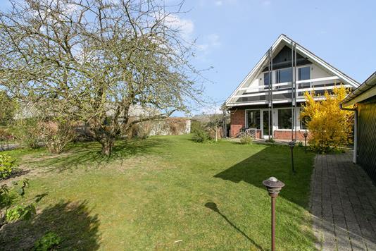 Villa på Norgesvej i Hadsten - Have