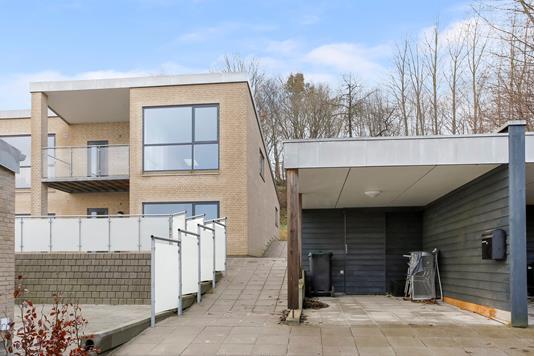 Villa på Østervangsvej i Hadsten - Ejendommen