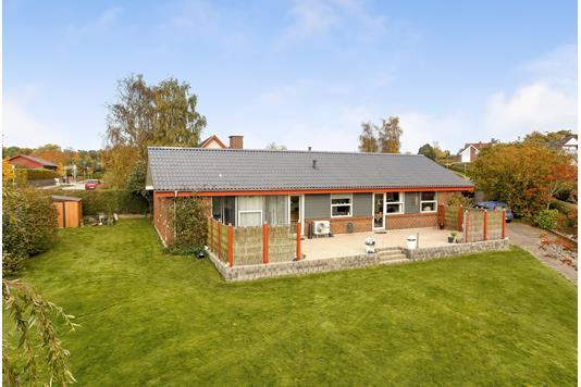 Villa på Islandsvej i Hadsten - Mastefoto