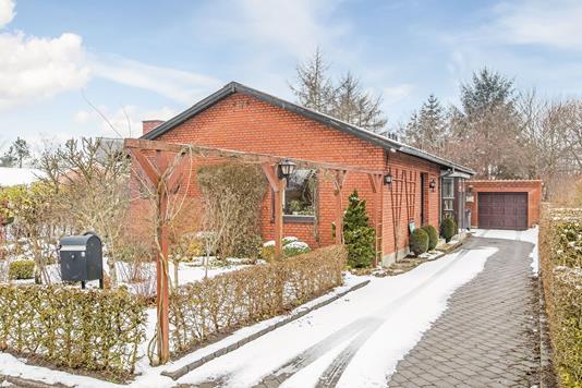 Villa på Solsortevej i Hadsten - Ejendommen