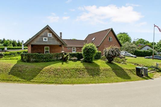 Villa på Hallendrupvej i Hadsten - Ejendom 1