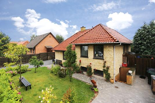 Villa på Frederiksdalsvej i Virum - Ejendommen