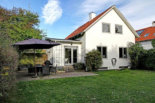 Villa på Abildgaardsvej i Virum - Ejendommen