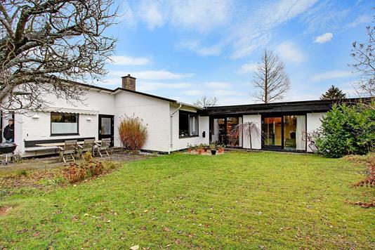 Villa på Højdevej i Virum - Ejendommen