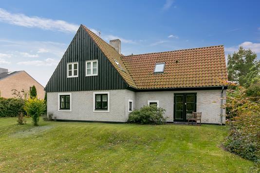 Villa på Risingevej i Vallensbæk Strand - Ejendommen