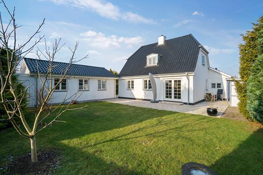 Villa på Ahornvang i Brøndby Strand - Ejendommen