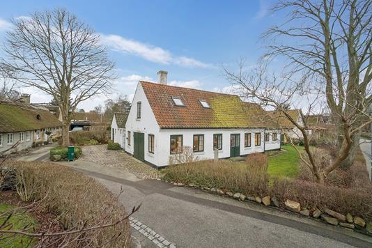 Villa på Engvej i Vallensbæk - Set fra vejen