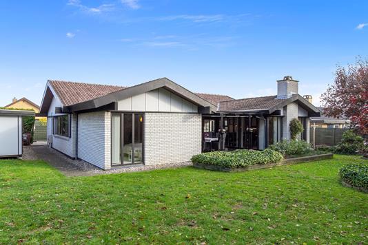 Villa på Landlyst Vænge i Ishøj - Set fra haven