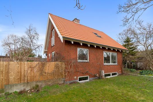 Villa på Bygaden i Vallensbæk - Set fra haven