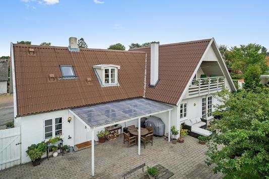 Villa på Engvej i Vallensbæk - Set fra haven