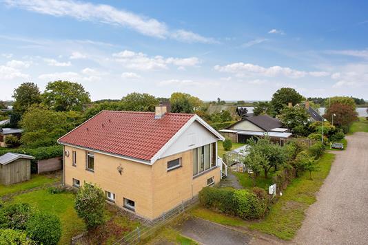 Villa på Gammel Køge Landevej i Brøndby Strand - Set fra vejen