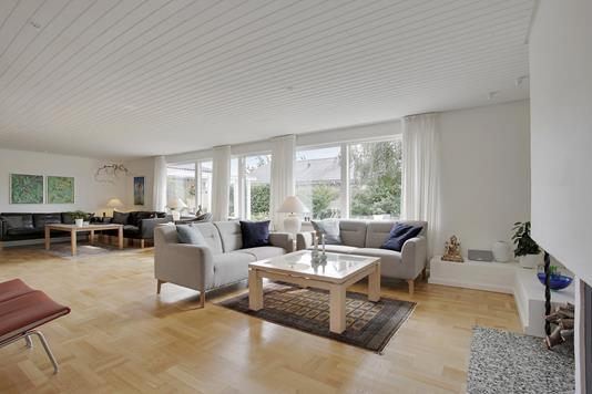 Villa på Syvhøjvænge i Vallensbæk - Stue