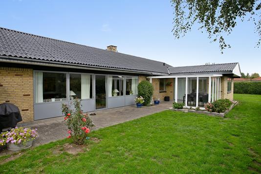 Villa på Syvhøjvænge i Vallensbæk - Set fra haven