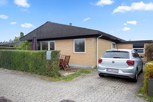 Villa på Rendsagervej i Vallensbæk - Set fra vejen