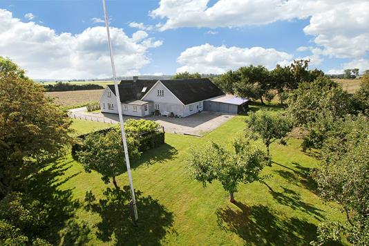 Villa på Sneslevvej i Fuglebjerg - Ejendommen