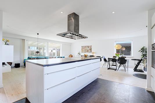 Villa på Månevænget i Solrød Strand - Køkken