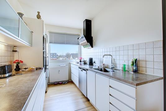 Ejerlejlighed på Elmelyparken i Solrød Strand - Køkken