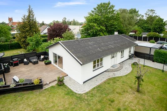 Villa på Præstevangen i Strøby - Set fra haven
