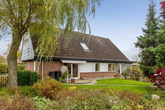 Villa på Stenbukvej i Lille Skensved - Set fra haven