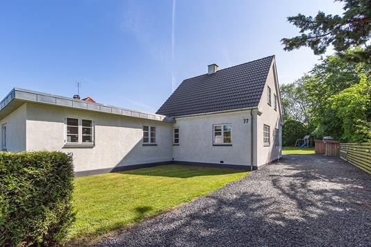 Villa på Strøby Bygade i Strøby - Set fra vejen