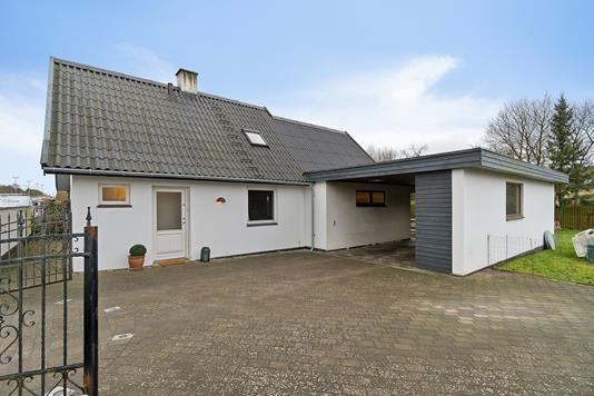 Villa på Vordingborgvej i Køge - Set fra vejen